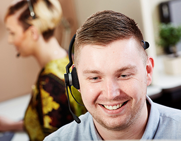 5 reasons estate agents need a telephone answering service