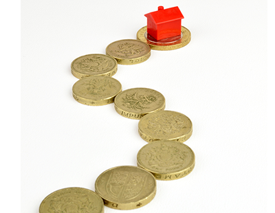 Estate agency fees contribute to higher average moving costs, says Lloyds