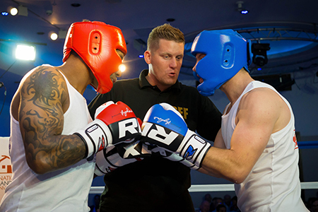 Agents do Charity – in the ring and in the water