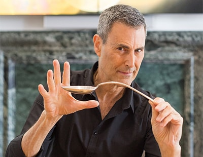 Don't bend the rules - Uri Geller promotes lottery of new-build flat
