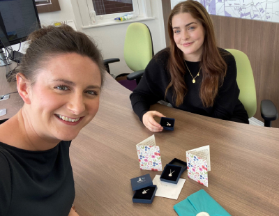 What A Gem! Delighted buyers give jewellery to brilliant agents
